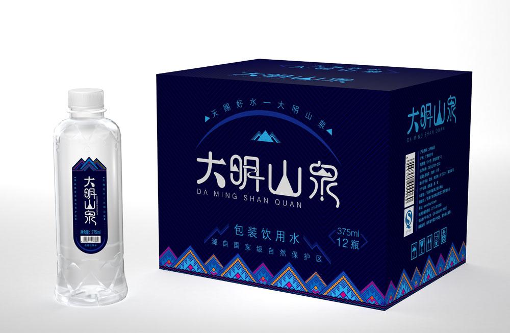 广西大明山泉包装箱和瓶子组合效果02
